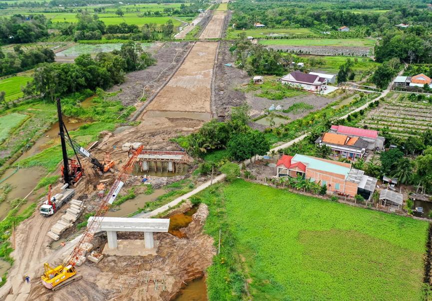 Dự án cao tốc Trung Lương - Mỹ Thuận vẫn đang ngổn ngang sau nhiều năm triển khai