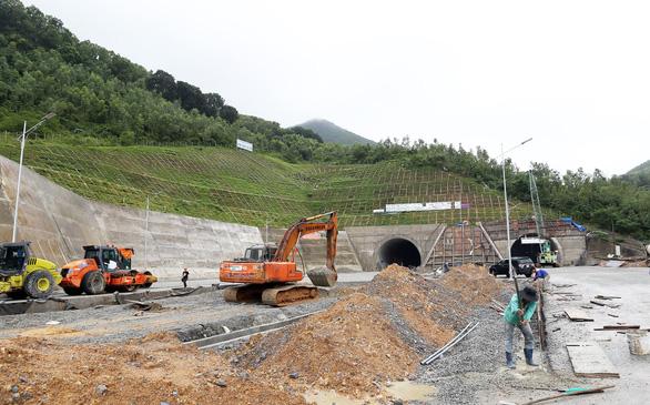 Hầm đường bộ Đèo Cù Mông vận hành sử dụng trước Tết Kỷ Hợi 2019 - Ảnh 6.
